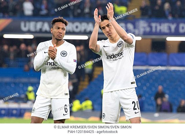 Jonathan DE GUZMAN (left, F) and Makoto HASEBE (F) applaud the traveling fans, applause, applaud, claps their hands (hands), applause, clap, half figure