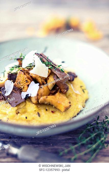 Polenta with mushrooms and Parmesan