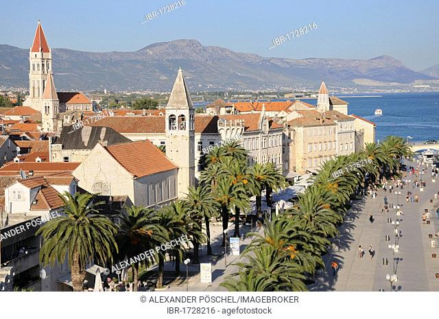 View of the city, waterfront, old town, Trogir, Croatia, Europe
