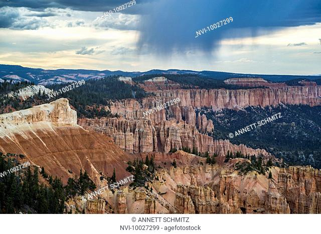 Rainbow Point during a thunderstorm, Bryce Canyon National Park, Utah, USA