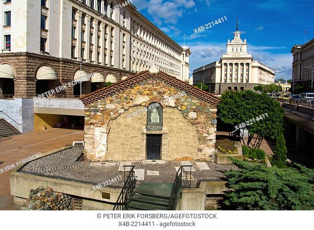 Sveta Petka Samardjinska Church, 14th century, Ploshad Sveta Nedelya square, central Sofia, Bulgaria, Europe