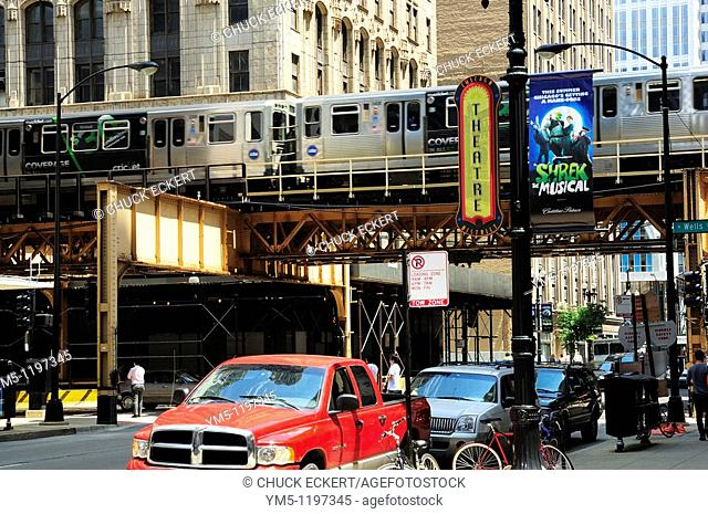 Chicago L, EL, or Elevated train that runs throughout the loop area