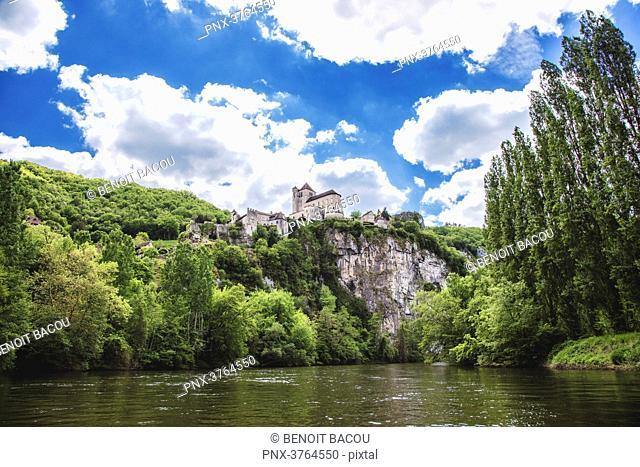 Saint Cirq Lapopie, Lot department, Languedoc-Roussillon, Midi-Pyrenees, France