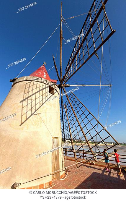 Saltworks and the picturesque windmills at the Stagnone lagoon, Marsala, Sicily, Italy, Europe