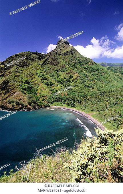 franch polynesia, marquesas islands, hiva oa, bay of eiaone, arbre de fer mount