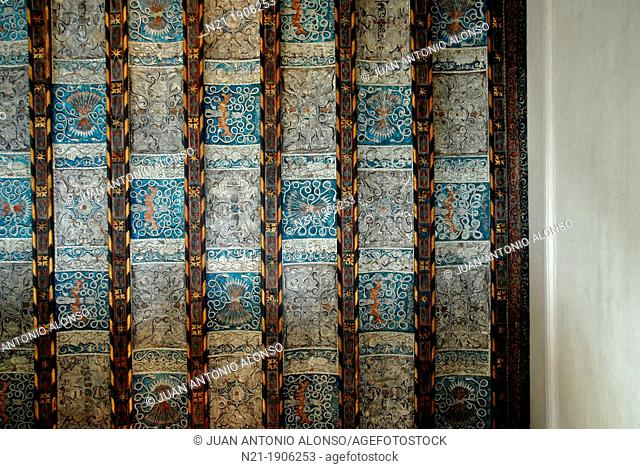 Ceiling over the stairs of the Catholic Monarchs Palace, built in 1488 over the north wing of the Islamic area of La Aljafería Palace  The arrows are Queen...