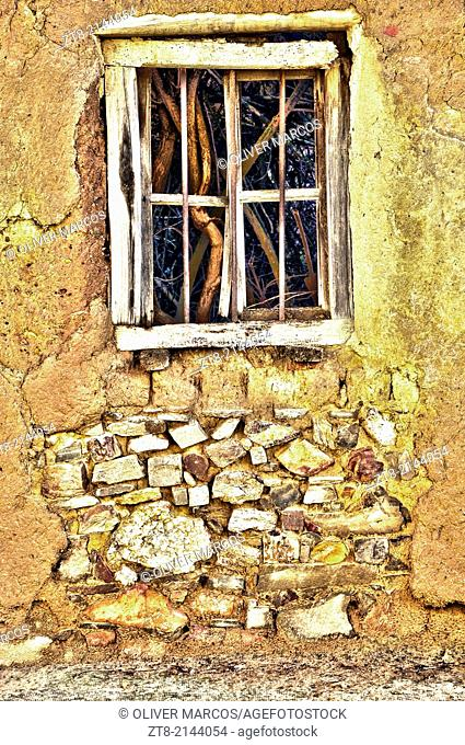 "In Leon, in the Northwest of Spain, there are many abandoned villages, you can still see houses built as before, with stone, wood, brick """"adobe"""", clay tiles"