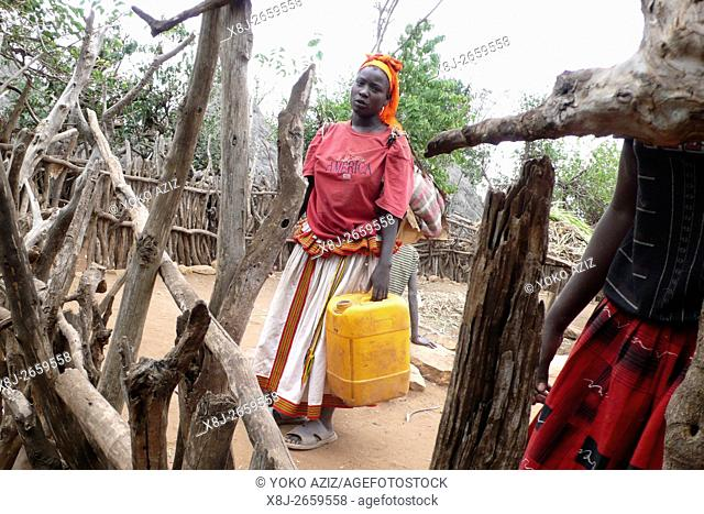 frammenti di vita quotidiana in un villaggio konso (Konso-Etiopia)