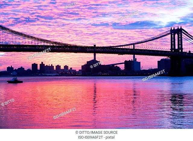 Manhattan bridge at dusk, New York City, USA