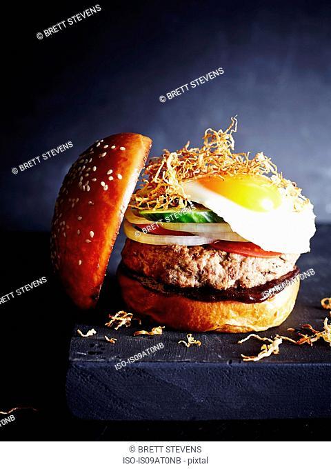 Classic Burger, close-up