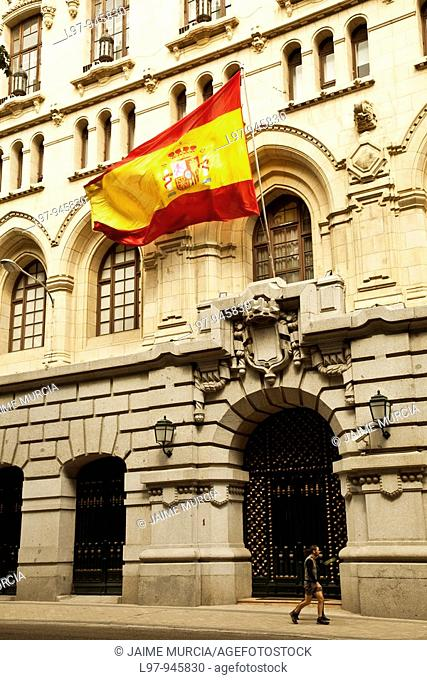 Large spanish flaf outside Museo Naval, Madrid
