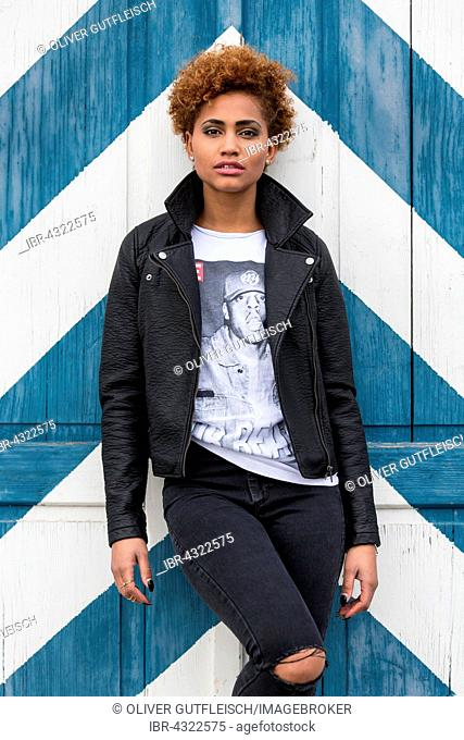 Young dark woman, Fashion, Portrait
