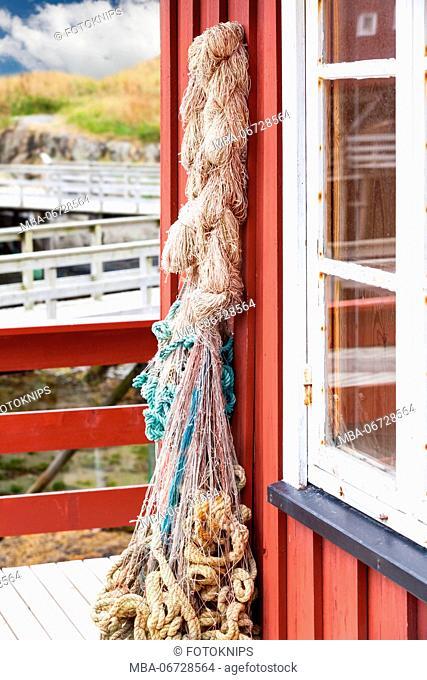 Rope at fishing hut (Rorbu)