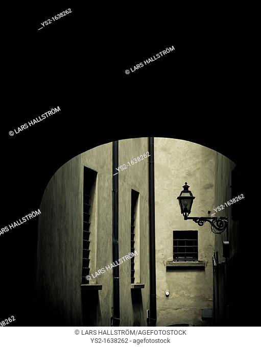 Dark alley, Italy