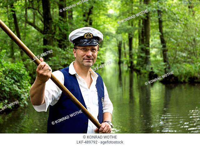 Boat tour in Spreewald, Spree, UNESCO biosphere reserve, Luebbenau, Brandenburg, Germany, Europe
