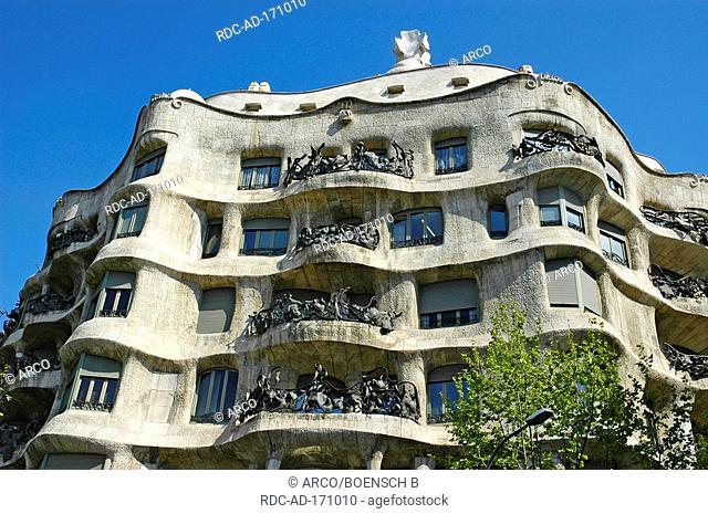 Casa Mila Building, architect Antoni Gaudi, Passeig de Gracia, Barcelona, Catalonia, Spain, La Pedrera, Antonio Gaudi
