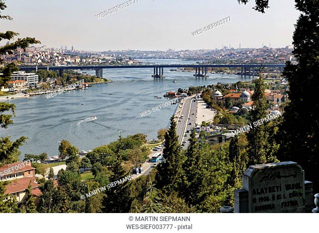 Turkey, Istanbul, View from Pierre Loti Hill to Golden Horn