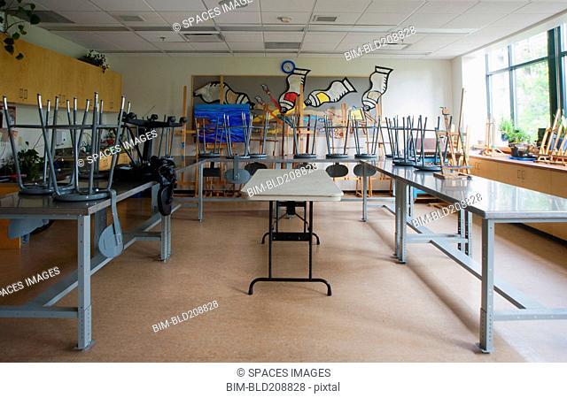 A community center art room and studio