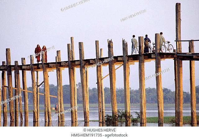 Myanmar Burma, Mandalay Division, Amarapura, teck bridge of U Bein