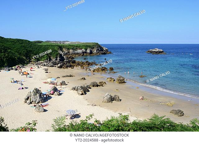 Summer day in Toranda beach, Niembro, Asturias