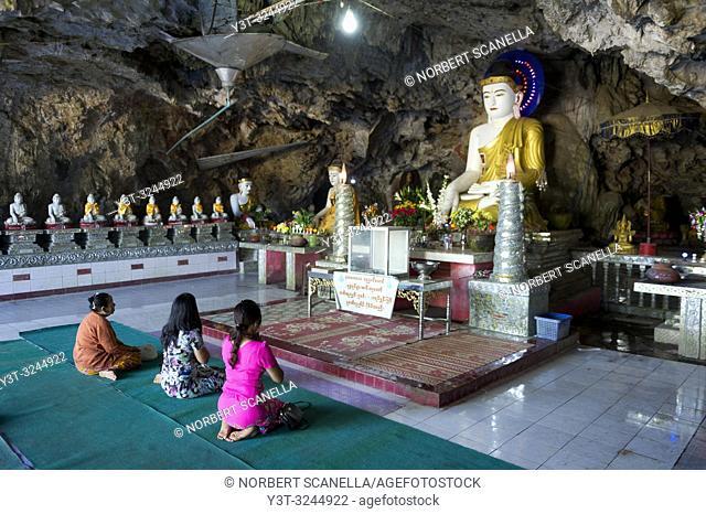 Myanmar (formerly Burma). Kayin State (Karen State). Hpa An. Buddha shrine in the Kaw Ka Thaung cave