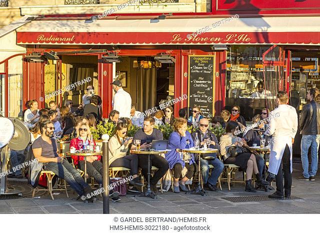 France, Paris, area listed as World Heritage by UNESCO, Saint Louis Island and the restaurant Le Flore en l'Ile, vendor of Berthillon ice cream