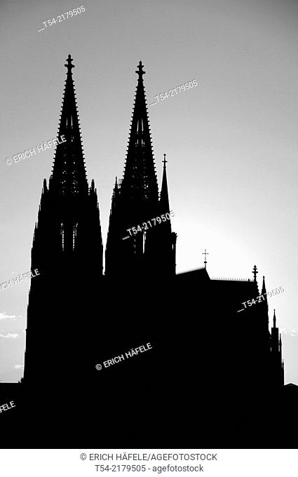 Silhouette of Cologne Cathedral at sunset