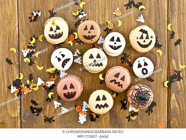 Halloween macaroons