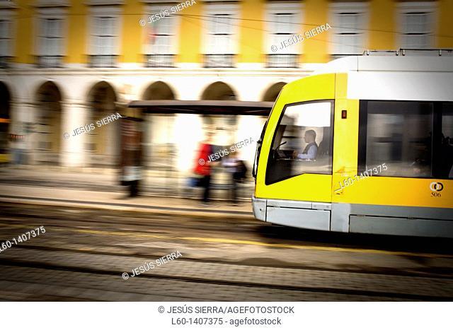 Tram in Praça do Comercio, Lisboa, Portugal