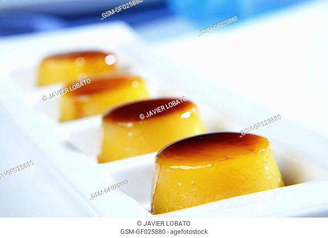 Tocinillos de cielo Spanish sweets made with egg yolk and sugar