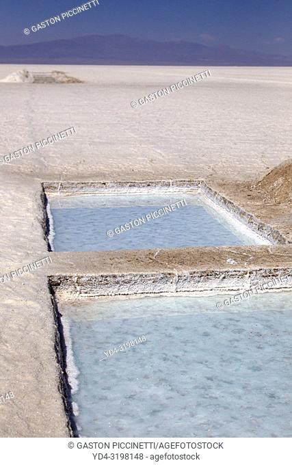 Salinas Grandes. Salinas Grandes is the denomination of a border salt of the Argentine provinces of Salta and Jujuy, located in the Altiplano