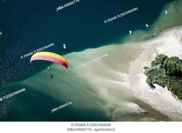 Paraglider, flight, Paragliding, natural forms, pleasure, vacation, Lago Maggiore, mountain lake, shore, bathing, Locarno, Maggia, Ticino, Switzerland