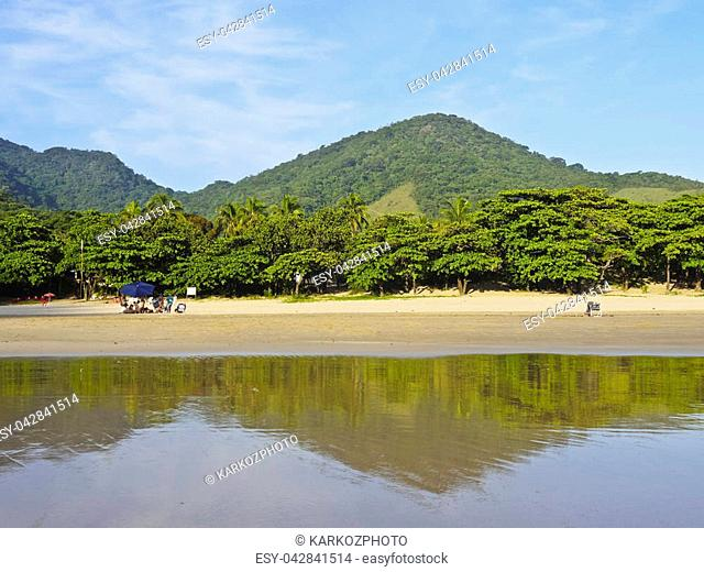 Brazil, State of Sao Paulo, Ilhabela Island, View of the beach in Bonete
