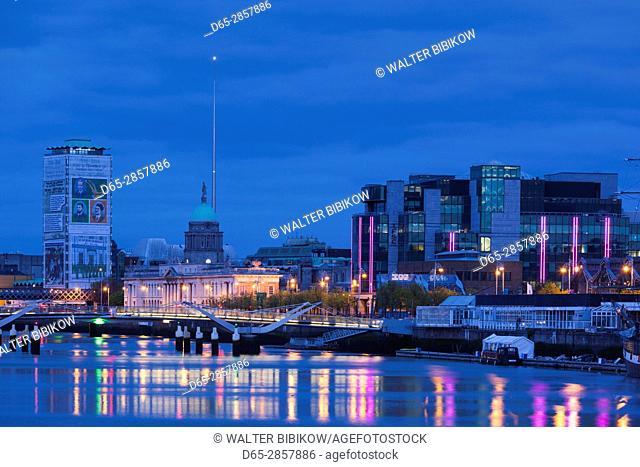 Ireland, Dublin, Docklands, Liffey Riverfront with Custom House, dawn