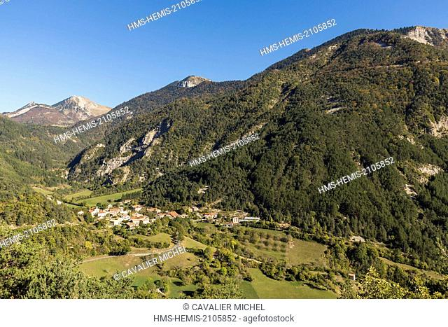 France, Drome, Parc Naturel Regional du Vercors (Natural regional park of Vercors), the town Nonnieres