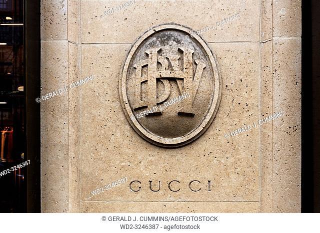 Paris, 4th arrondissement, 2018, Bazar de l'Hôtel de Ville enterance with Gucci carved into the pillar