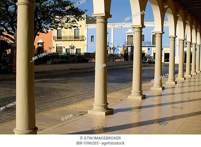 Historic town Campeche, Colonnade, Province of Campeche, Yucatan peninsula, Mexico, UNESCO World Heritage Site