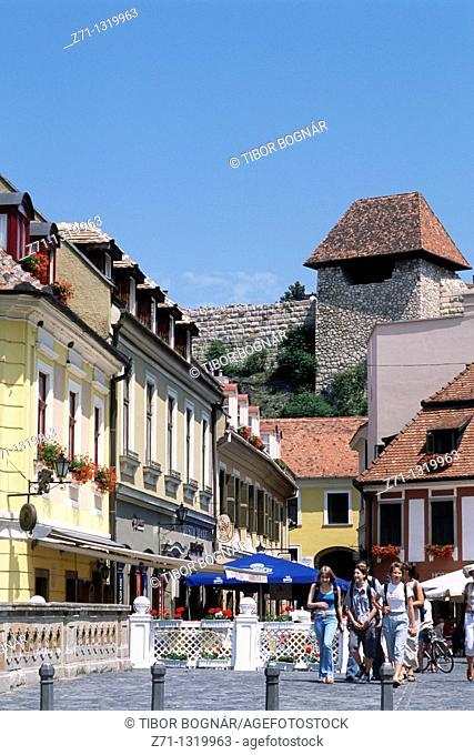 Hungary, Eger, Dobo Istvan Square, street scene