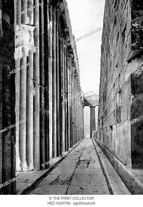The north side of the Parthenon, Athens, 1937. Illustration from Das Mittelmeer: Landschaft, Baukunst und Volksleben im Kreise des Mittelländischen Meeres