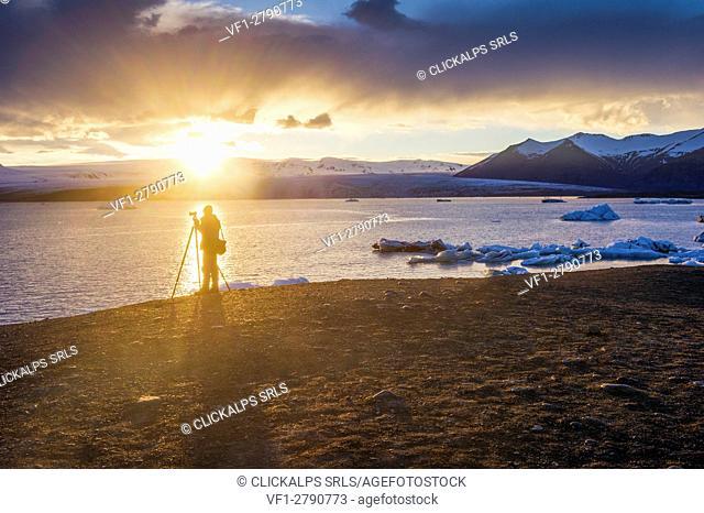 Jokulsarlon, southern Iceland. Icebergs on the glacier lagoon