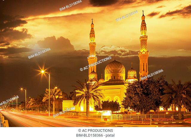 Time lapse view of Jumeira Mosque at dusk, Dubai, United Arab Emirates