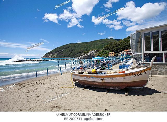 Fishing boat, surf, beach, Moneglia, Genoa Province, Liguria, Italian Riviera or Riviera di Levante, Italy, Europe