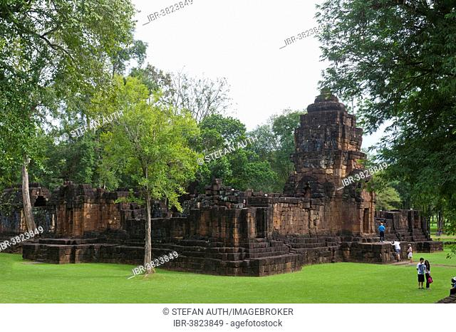Overgrown temple tower, Gopura of Prasat, dilapidated temples, historical settlement of the Khmer, Mueang Sing Historical Park, Amphoe Sai Yok