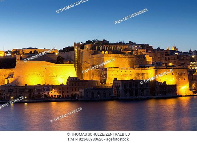 The photo depicts the city of Valletta, the capital of Malta, from the Grand Harbor in April 2014. Photo: Tom Schulze   usage worldwide