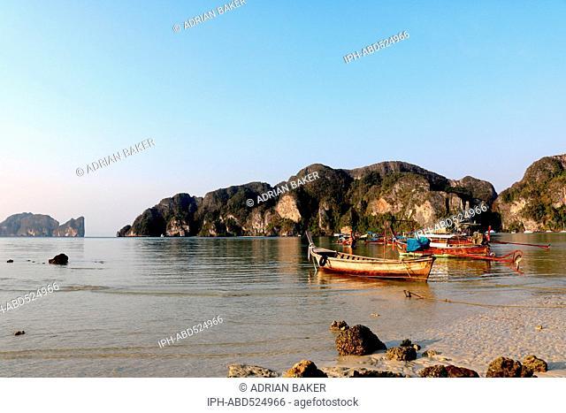 Thailand Krabi Phi Phi Islands Koh Phi Phi Don Ao Tonsai (Tonsai Bay)