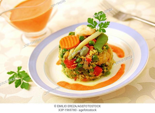 Scrambled vegetables with prawns