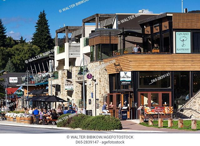 New Zealand, South Island, Otago, Wanaka, town view along Ardmore Street