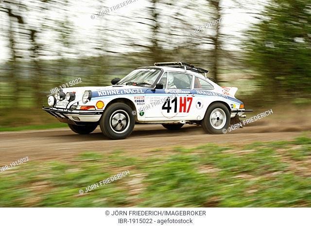Porsche 911 Safari, built in 1974, former Safari Rallye participant, vintage rally car, during the German Rally Championship, Rallye Vogelsberg 2011, Hesse