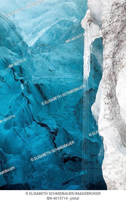 Ice cave in the Vatnajökull glacier, Vatnajökull National Park, Iceland