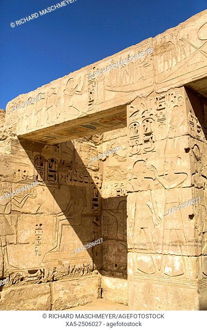 Bas Reliefs, Hypostyle Hall, Medinet Habu (Mortuary Temple of Ramses III), West Bank, Luxor, Egypt